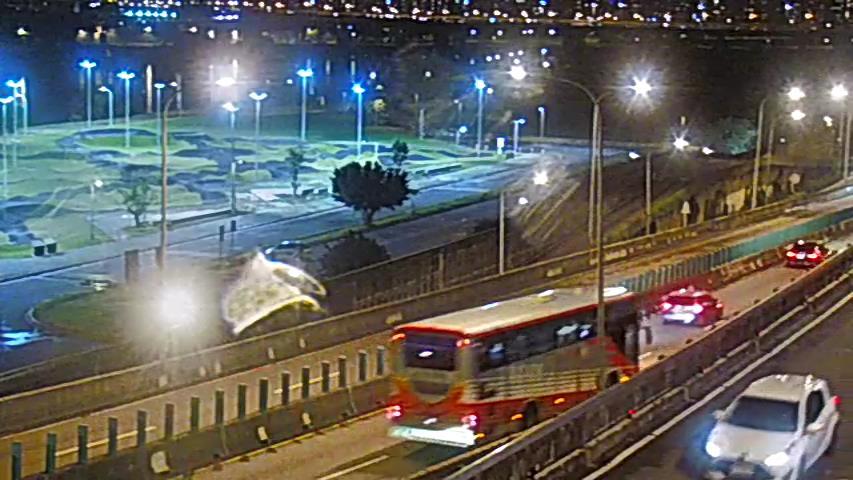 053-環東麥帥二橋往堤頂