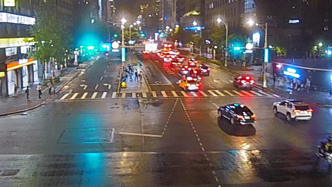 283-信義路四段-光復南路口